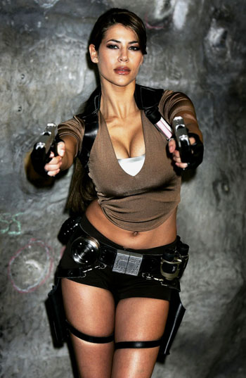 Tactical Fanboy's newest gratuitous hot girl with gun.