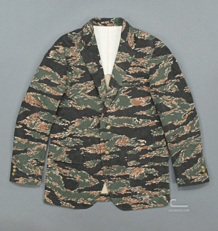 mr-bathing-ape-3-button-jacket-tiger-camouflage-02